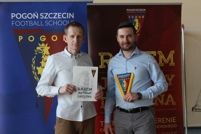 MOSiR podpisał umowę z Pogoń Szczecin Football Schools! Zapraszamy na próbny trening!