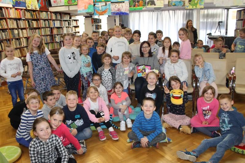 """""""Książki są jak cukierki"""" – spotkanie z Małgorzatą Strękowską-Zarembą"""