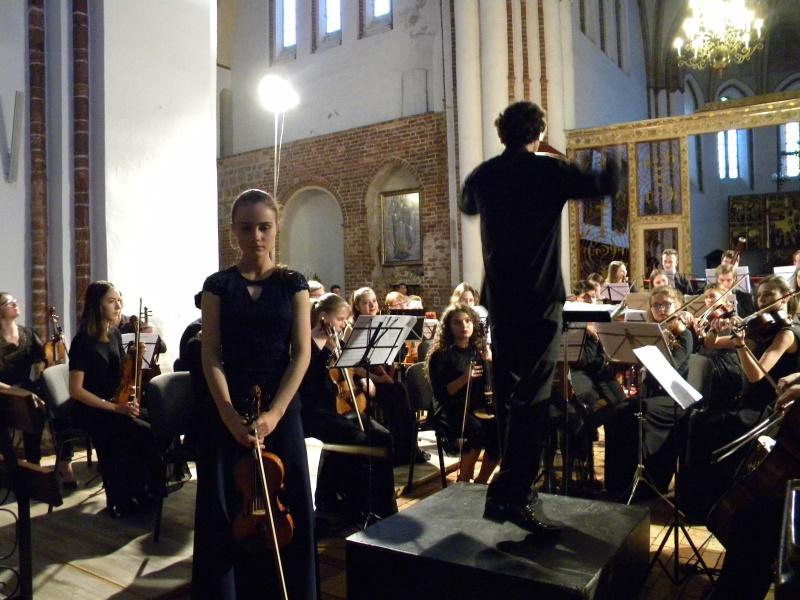 Koncert młodych wykonawców i podwójne bisy